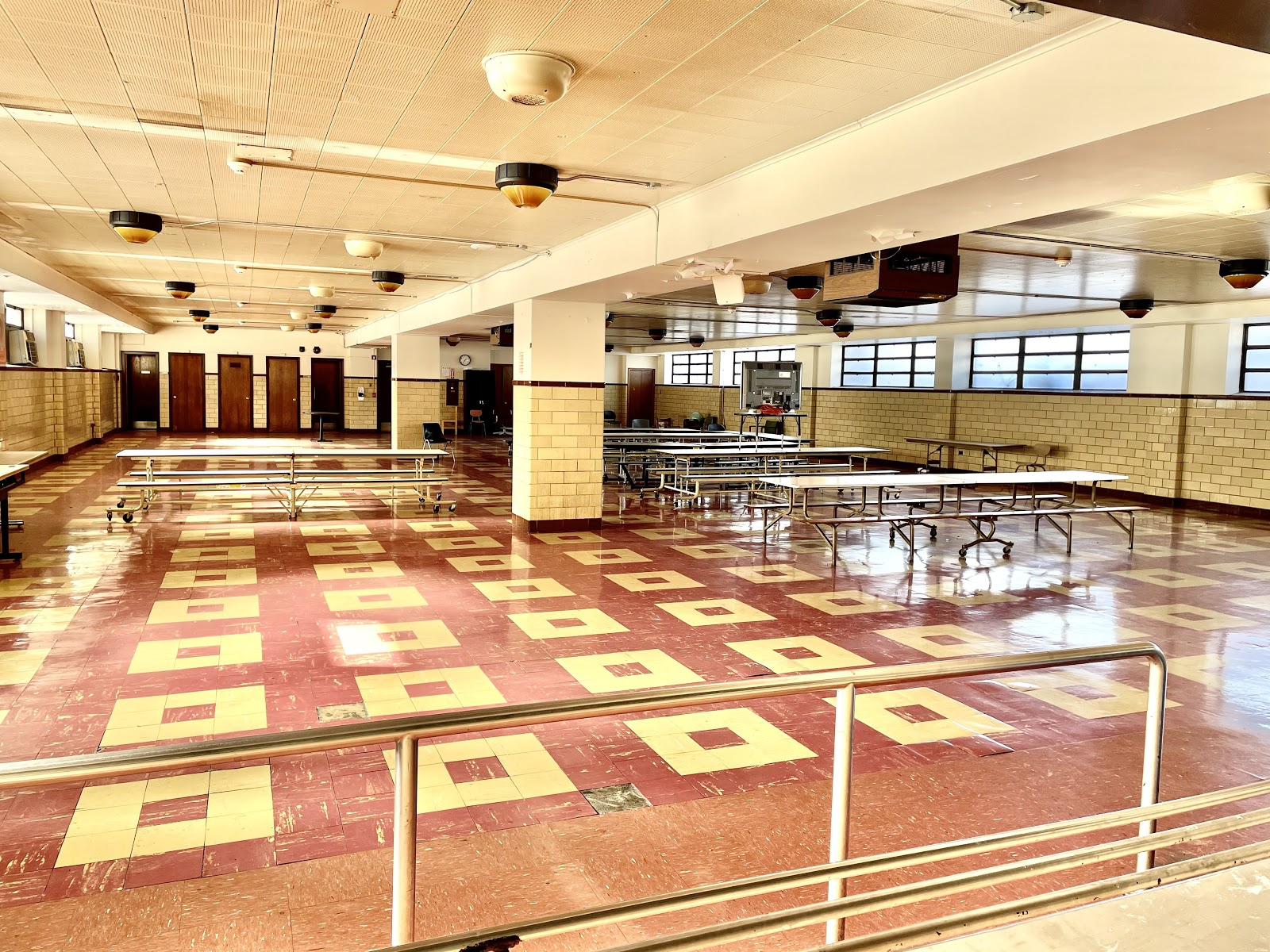 Picture of the cafeteria at the Englewood Campus